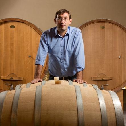 Pierre Larmandier dans les chais du Champagne Larmandier Bernier