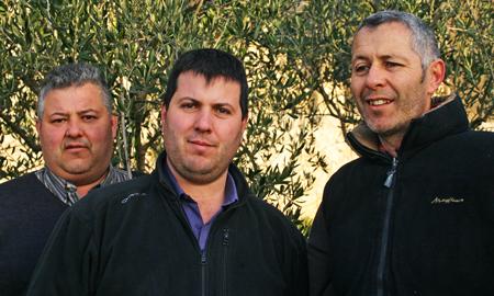 Jean-Marc, Pierre et Xavier Ravaille à l'Ermitage du Pic Saint Loup, grand vin du Languedoc